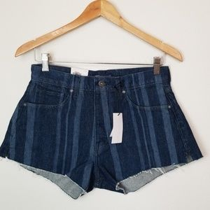 Levis NWT High Rise Shorts 28 Laser Stripe $128
